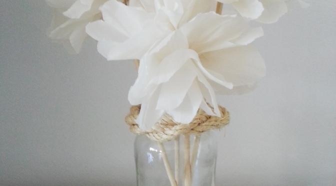 Preciosas flores de papel crepé